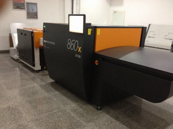 Kuwait: Recent installation by Global Graphics INT Kuwait: BasysPrint UV Setter 863x at German Press Company W.L.L.